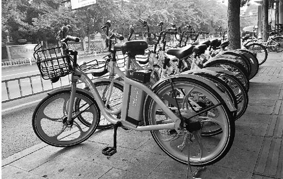 杭州叫停共享电动车 国庆前清理并退出市场